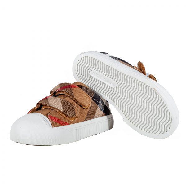 Sneakers in tessuto e pelle-558